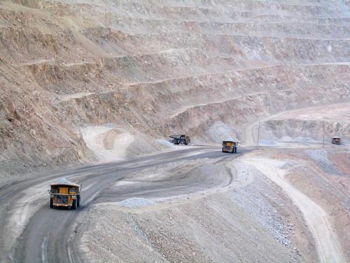 Codelco realiza nueva propuesta y ofrece beneficios por 14 millones a trabajadores de Chuquicamata