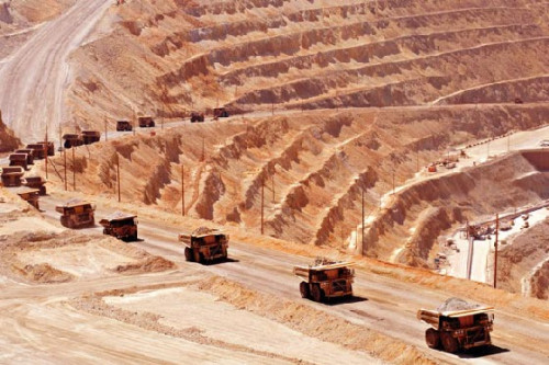 Precio del cobre inicia la semana con fuerte repunte en Londres