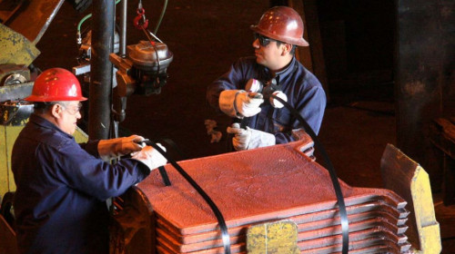 Ministro de Minería destaca creación de 23 mil nuevos empleos en la industria durante julio-septiembre