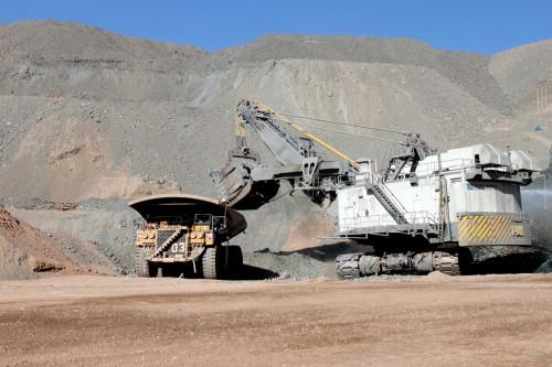 Economía chilena crece 0,4 por ciento en el primer trimestre gracias al sector minero y retarda entrada en recesión