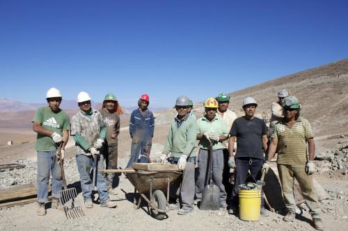 Pequeños mineros aumentan en 14 por ciento sus ventas a Enami gracias a programas de fomento